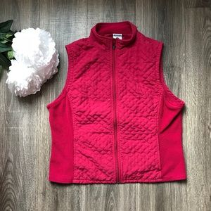 Red Woman's Columbia Vest Size Large
